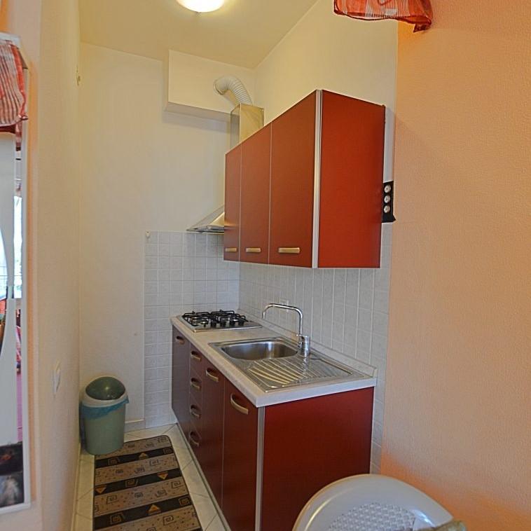 Monolocale in vendita albenga l 39 angolo immobiliare - Arredo bagno albenga ...